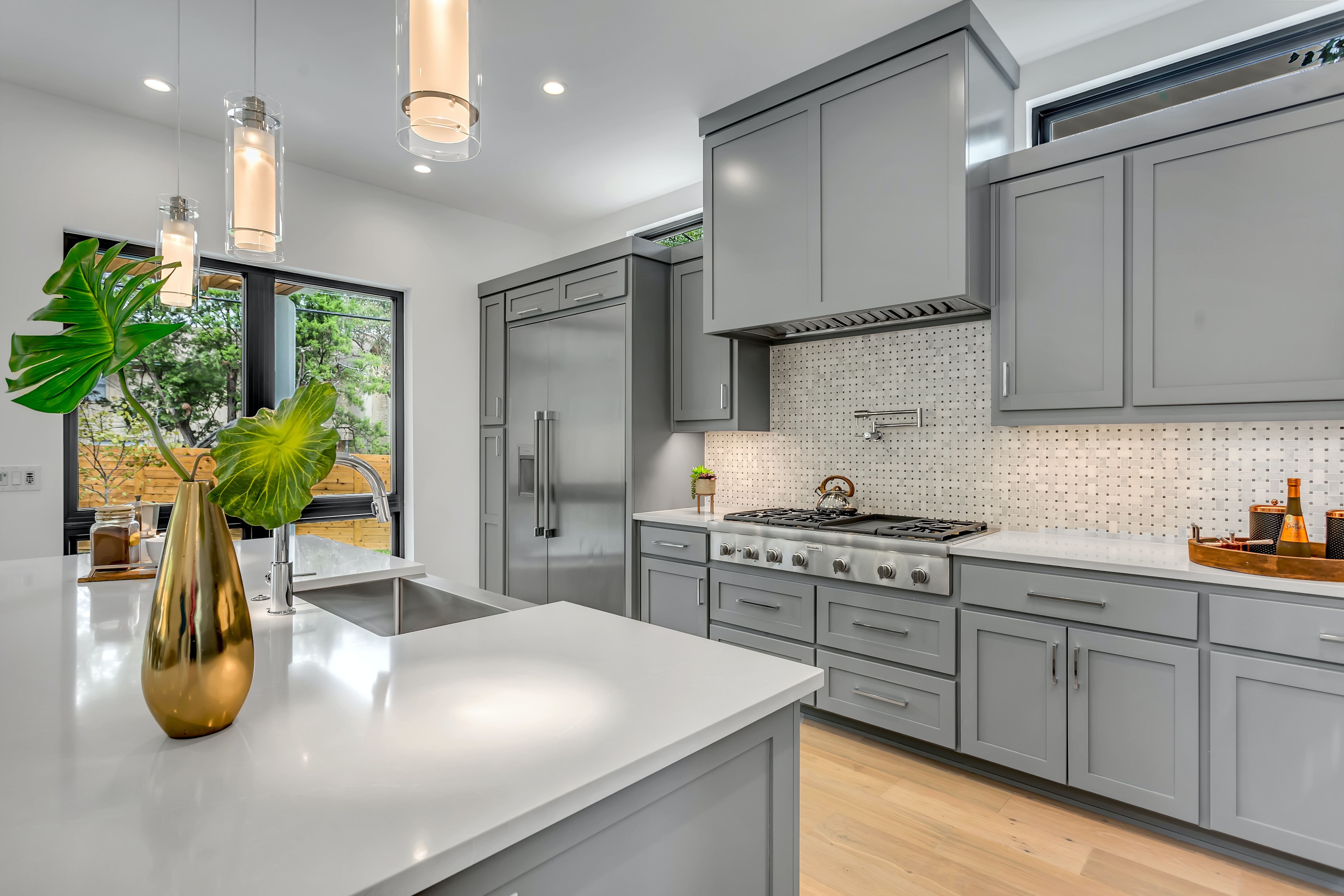 Kitchen Cabinet Materials: Pros and Cons of Popular Materials